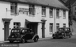 Morris 10 And Wolseley 10 Cars c.1950, Sherborne