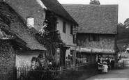 Shere, Cottage In Upper Street 1903