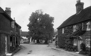 Shere, The Square 1913