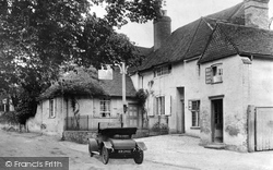 Shere, The White Horse 1907