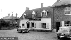 The Hatchet Inn c.1965, Sherfield English