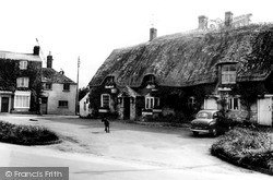 Shipston On Stour, The Black Horse Inn c.1960