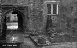 Shipton-Under-Wychwood, Shaven Crown Inn, Courtyard c.1955, Shipton Under Wychwood