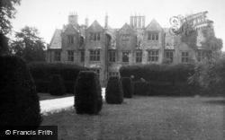 Shipton-Under-Wychwood, Shipton Court c.1955, Shipton Under Wychwood