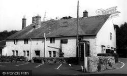 Shorwell, The Crown Inn c.1955