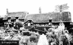 Shottery, Anne Hathaway's Cottage c.1955