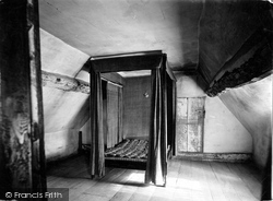 Shottery, Anne Hathaway's Cottage, Second Bedroom 1912