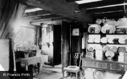 Anne Hathaway's Cottage, The Parlour c.1890, Shottery