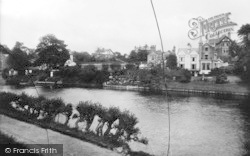 Shrewsbury, Old Boathouses And River 1923