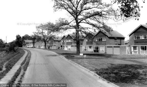 Photo of Shrivenham, Downsview Estate c1965