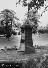 Sidcup, the War Memorial c1960
