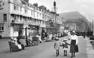 Sidmouth, Mother And Girls, The Esplanade 1918