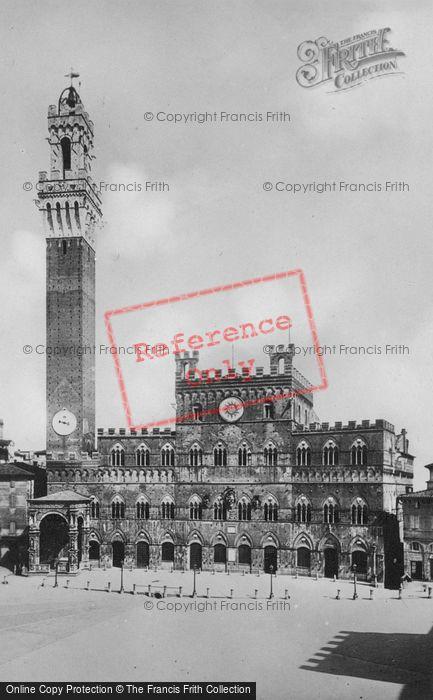 Photo of Siena, Palazzo Pubblico c.1920