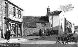Commercial Road, Looking Towards Barnsley c.1955, Skelmanthorpe