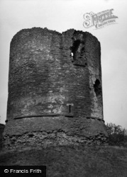 Skenfrith, Castle, The Round Keep 1955