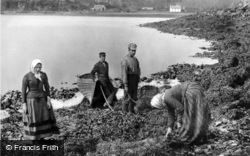 Skye, Collecting Seaweed c.1890, Isle Of Skye