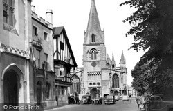 Sleaford, Church Of St Denys And Market Place c.1955