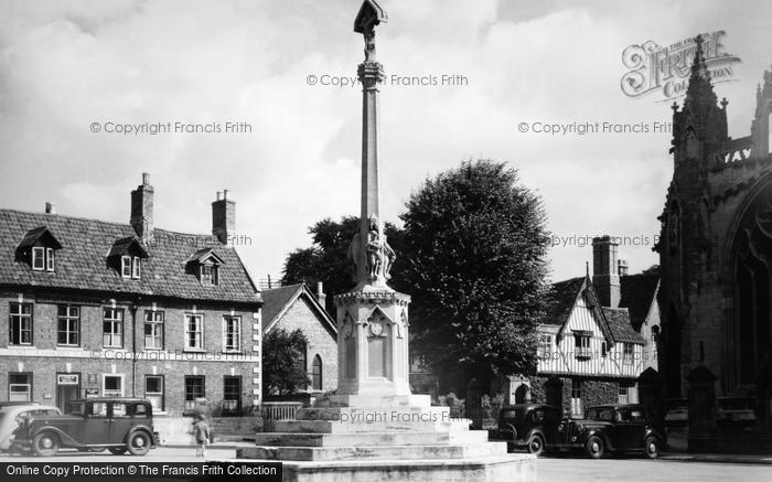 Photo of Sleaford, War Memorial c1950