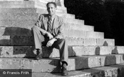 A Man On Memorial Steps 1951, Sledmere