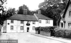 The Triton Inn And Post Office c.1960, Sledmere