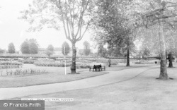 Slough, Salt Hill Park c.1960