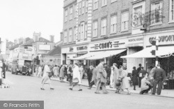 Slough, William Street, People c.1950
