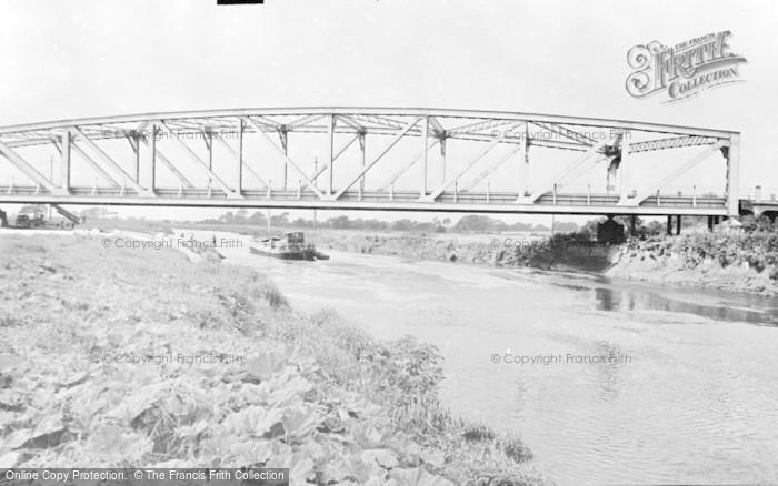 Photo of Snaith, Carlton Bridge c.1960