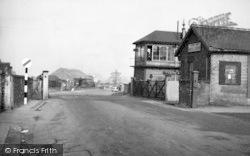 Snaith, Selby Road And Railway Station c.1950