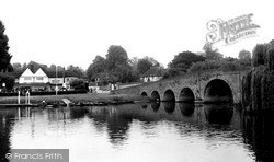 Sonning, The Bridge And White Hart Hotel c.1955