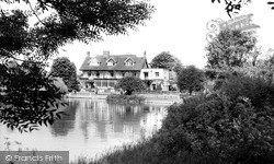 Sonning, The River Thames And The French Horn Hotel c.1960