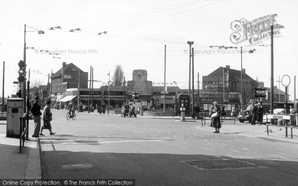 Photo of South Chingford, Albert Crescent From New Road c.1955