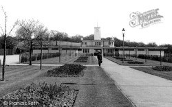 South Chingford, Larkswood Pool c.1955