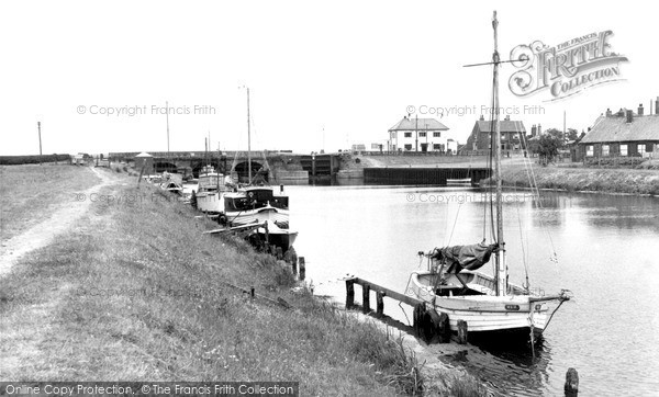 South Ferriby photo