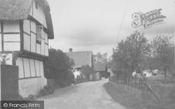 Manor Lane c.1940, South Moreton