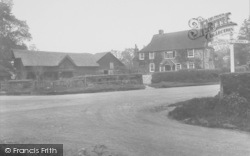 South Nutfield, Ridge Green Corner 1928