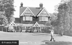 South Nutfield, Station Hotel c.1960