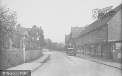 South Nutfield, Station Parade 1928