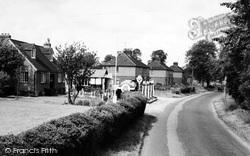 Alton Road c.1960, South Warnborough