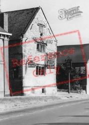 Southam, The Old Mint Inn, High Street c.1960