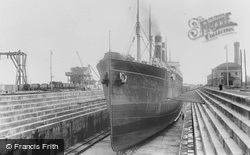 Southampton, No 5 (Prince Of Wales) Dry Dock 1908