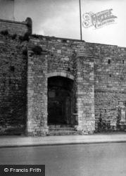 The Castle, Watergate c.1960, Southampton