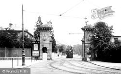 The Stag Gates 1908, Southampton