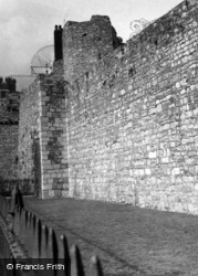 Walls And Arundel Tower 1958, Southampton