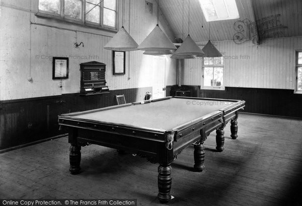 Southbourne, Foxholes the Billiard Room c1955