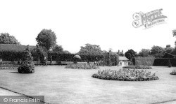 Southend-on-Sea, Chalkwell Park c.1960
