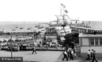 Southend-on-Sea, the Golden Hind and Pier c1950