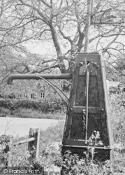 Southminster, The Old Pump c.1955