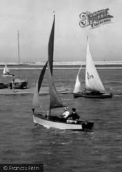 Southport, Sailing On Marine Lake, North c.1960