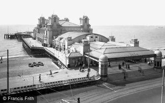 Southsea, the South Parade Pier c1935