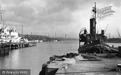 Southwick, The Harbour And Tug c.1950